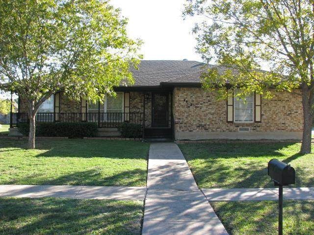 4402 Southridge Drive, Rowlett, TX 75088 (MLS #14358821) :: The Good Home Team