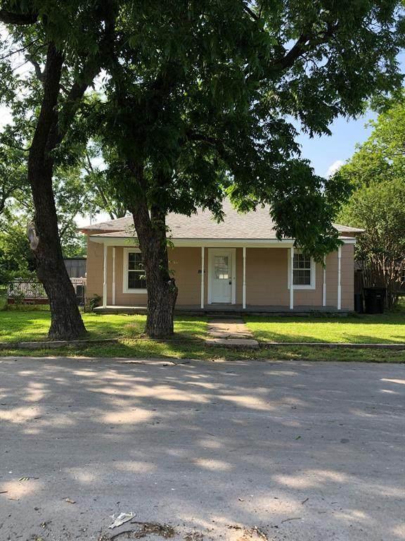 865 Cedar Street, Cleburne, TX 76031 (MLS #14360357) :: Team Tiller