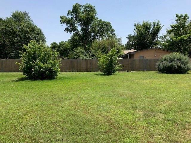 201 E. Fm 120, Pottsboro, TX 75076 (MLS #14361883) :: The Mitchell Group