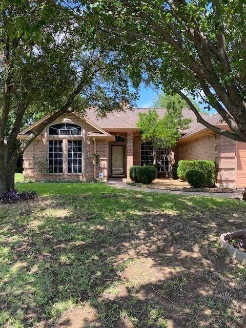 748 Bryan Drive, Burleson, TX 76028 (MLS #14366628) :: Baldree Home Team