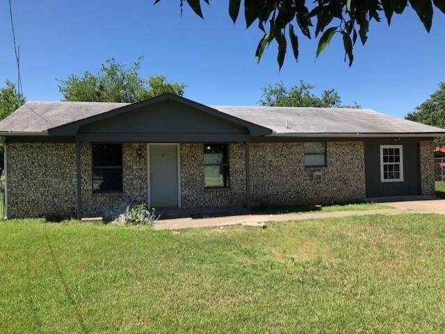 1002 15th Street, Mineral Wells, TX 76067 (MLS #14367550) :: Team Hodnett