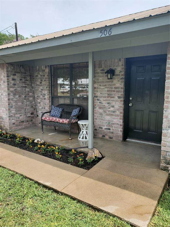 506 E 10th Street, Kemp, TX 75143 (MLS #14372614) :: The Good Home Team