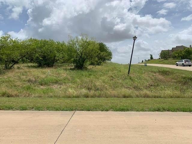 1104 Periwinkle Court, Grand Prairie, TX 75104 (MLS #14375374) :: The Tierny Jordan Network