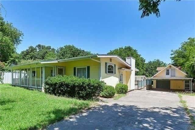 728 Greg Street, Azle, TX 76020 (MLS #14375551) :: Tenesha Lusk Realty Group