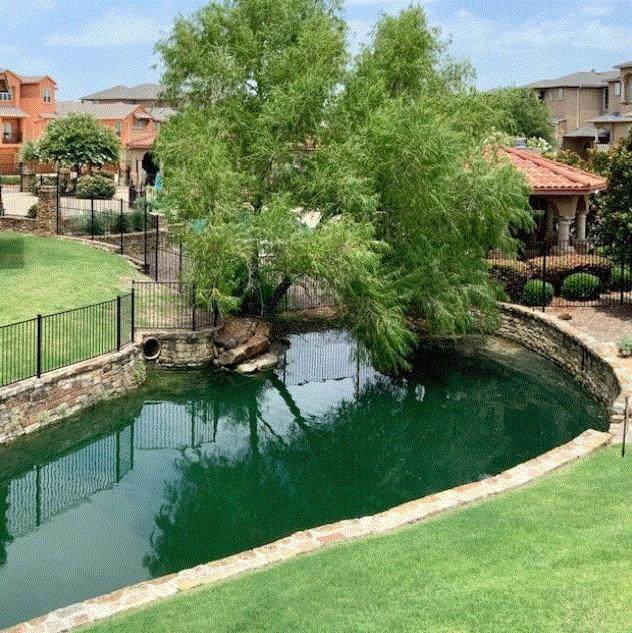 2640 Villa Di Lago #1, Grand Prairie, TX 75054 (MLS #14375721) :: The Kimberly Davis Group