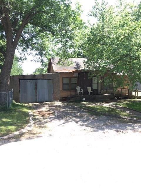 410 E Elm, Denison, TX 75021 (MLS #14377135) :: Real Estate By Design