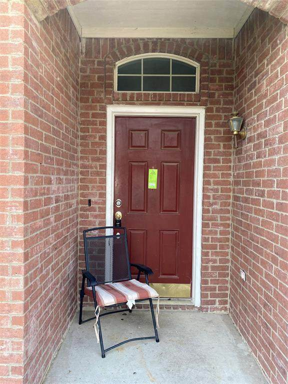 2902 Bahar Drive, Arlington, TX 76010 (MLS #14377859) :: The Good Home Team
