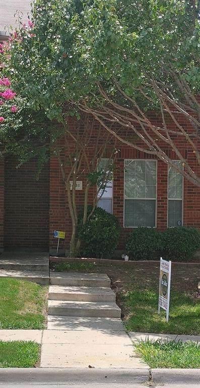 5431 Prairie Lane, Grand Prairie, TX 75052 (MLS #14378230) :: Bray Real Estate Group