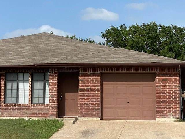 4332 Forest Point Drive, Garland, TX 75043 (MLS #14378971) :: Tenesha Lusk Realty Group