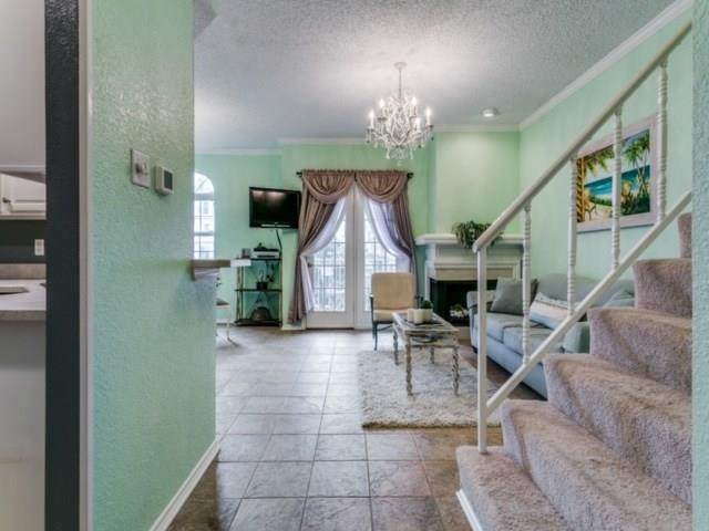5325 Bent Tree Forest Drive #2215, Dallas, TX 75248 (MLS #14379598) :: The Mitchell Group