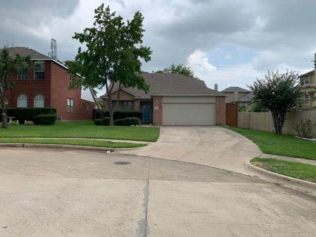 12632 Oakwood Circle, Euless, TX 76040 (MLS #14379702) :: RE/MAX Pinnacle Group REALTORS