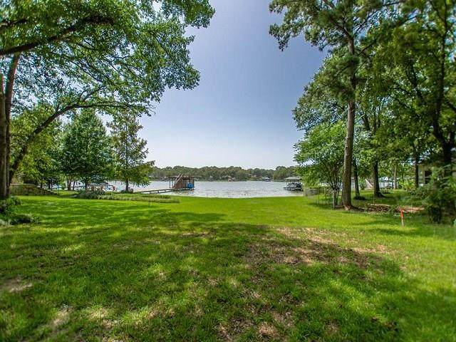 121 Arrowhead Street, Mabank, TX 75156 (MLS #14380081) :: The Good Home Team