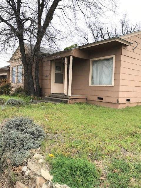 1104 N Main Street N, Cleburne, TX 76033 (MLS #14380907) :: Team Tiller