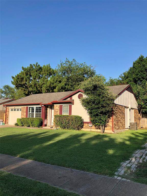 5613 Whitley Road, Haltom City, TX 76148 (MLS #14385894) :: All Cities USA Realty