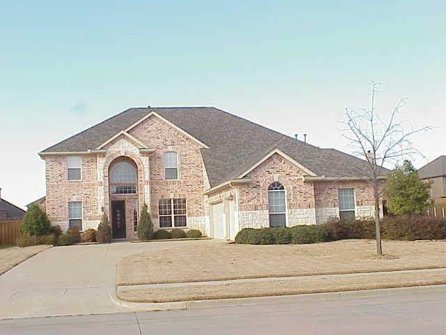 2944 N Camino Lagos, Grand Prairie, TX 75054 (MLS #14386068) :: The Heyl Group at Keller Williams