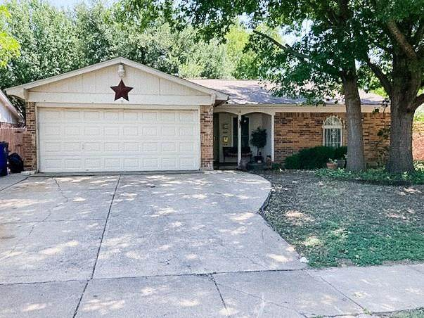 524 Linda Drive, Burleson, TX 76028 (MLS #14387183) :: The Mitchell Group