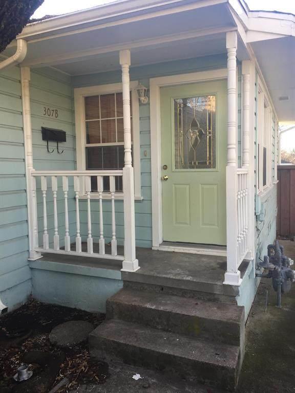 307 N Bradley Street B, Mckinney, TX 75069 (MLS #14387907) :: Tenesha Lusk Realty Group