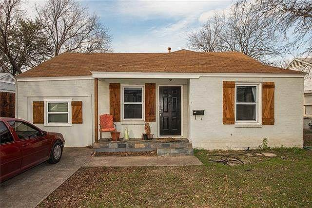 2800 W Bewick Street, Fort Worth, TX 76109 (MLS #14389687) :: Team Tiller