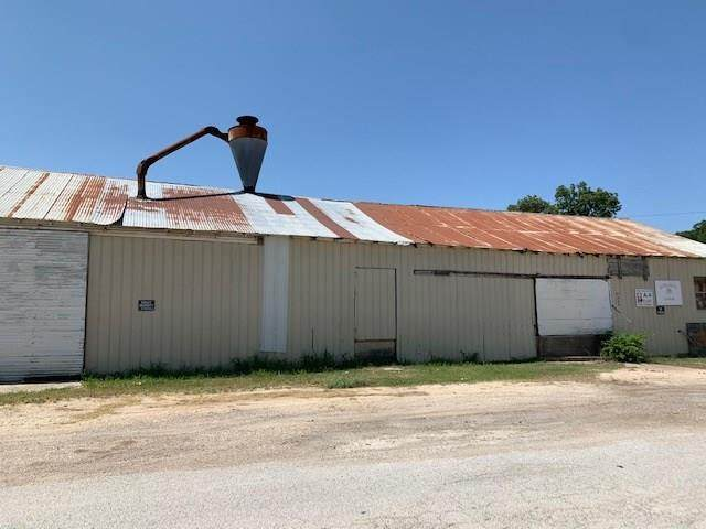 109 W Avenue A, Hico, TX 76457 (MLS #14390330) :: The Kimberly Davis Group