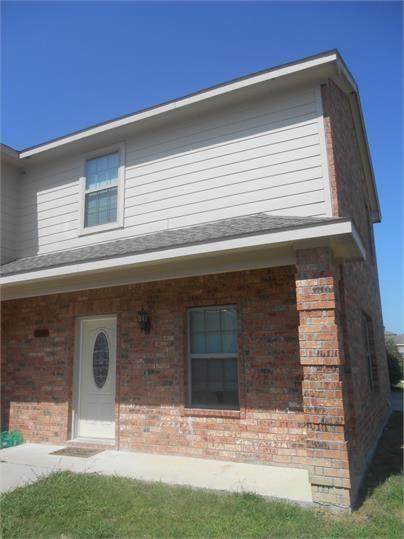 1102 Parkway Trail - Photo 1
