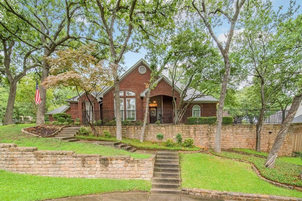 3253 Oak Tree Lane - Photo 1