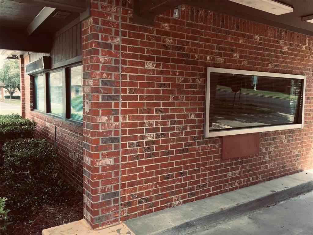 104 Westmeadow Drive - Photo 1