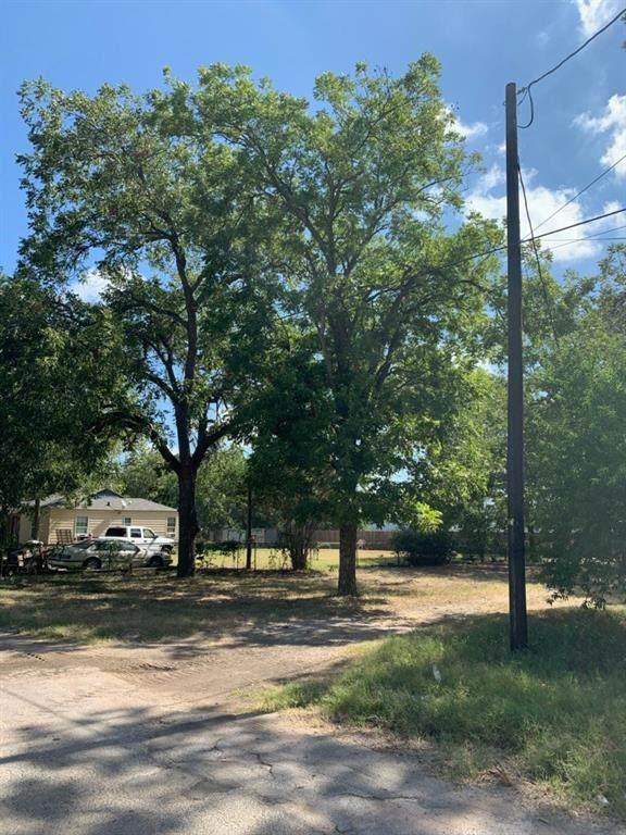 601 N 1st Street, Bangs, TX 76823 (MLS #14400280) :: Century 21 Judge Fite Company