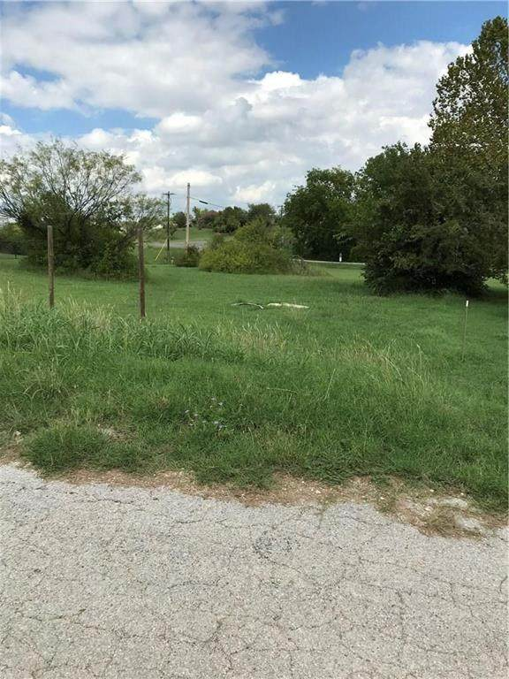 Lot 14 E Balboa Drive, Runaway Bay, TX 76426 (MLS #14405626) :: RE/MAX Pinnacle Group REALTORS