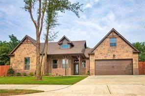 525 Chandler Court, Pilot Point, TX 76258 (MLS #14406543) :: The Good Home Team