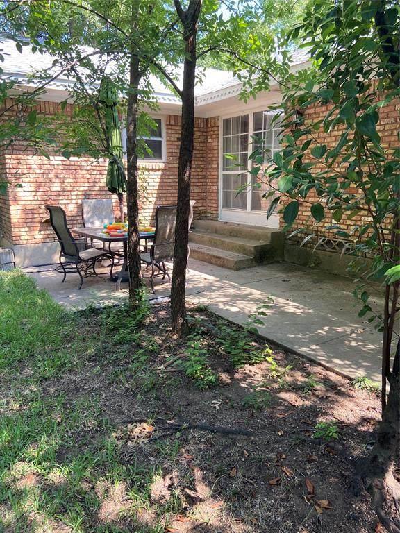 1220 Bryn Mawr Place, Denton, TX 76201 (MLS #14406703) :: The Mauelshagen Group