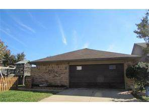 820 Via Madonna, Mesquite, TX 75150 (MLS #14408628) :: The Heyl Group at Keller Williams