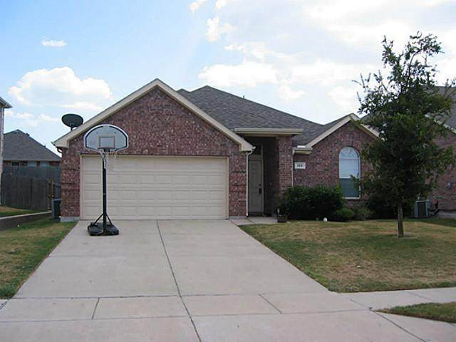 513 Dartmoor Drive, Celina, TX 75009 (MLS #14408991) :: The Heyl Group at Keller Williams