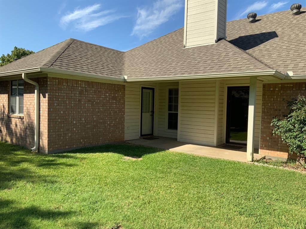 211 Choctaw Drive - Photo 1