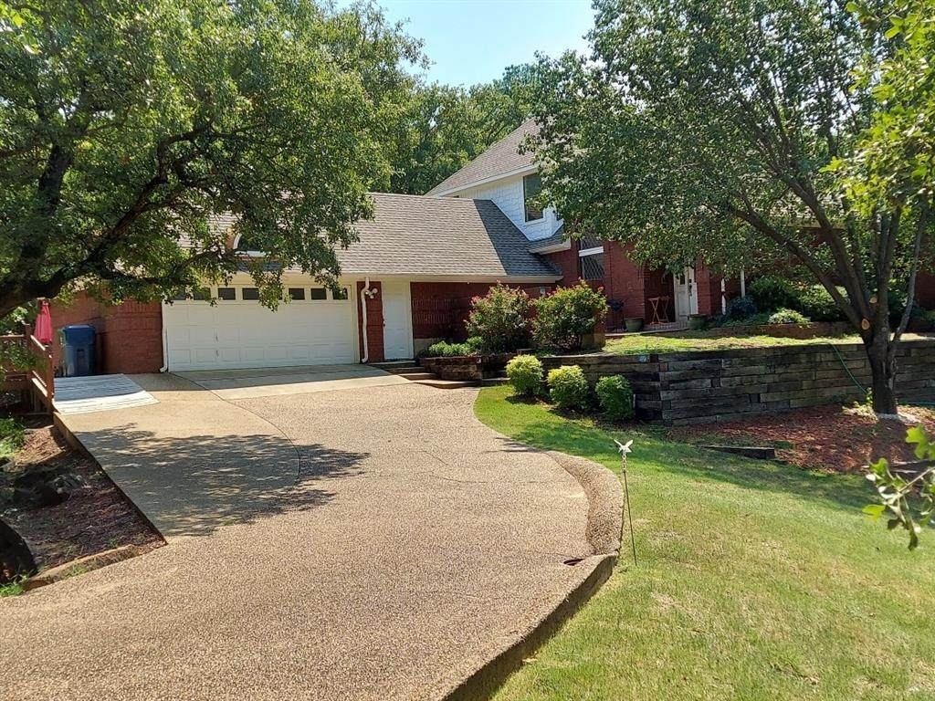 4015 Ridgecrest Drive - Photo 1