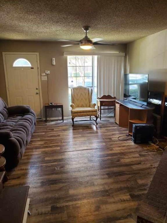10500 Lake June Road I07, Dallas, TX 75217 (MLS #14411657) :: The Heyl Group at Keller Williams