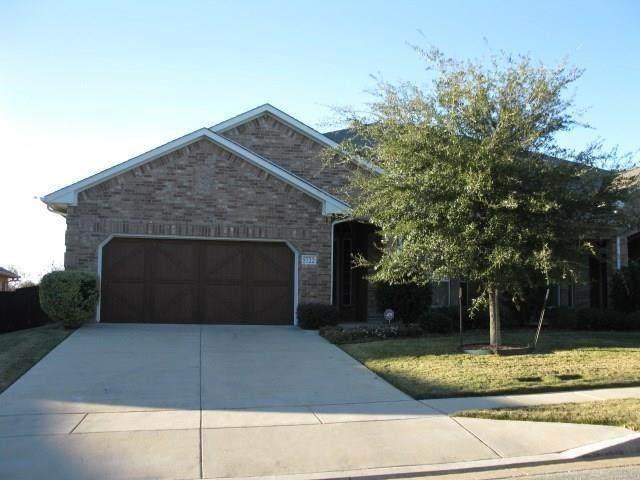 5720 Ridgerock Road, Fort Worth, TX 76132 (MLS #14412584) :: The Heyl Group at Keller Williams