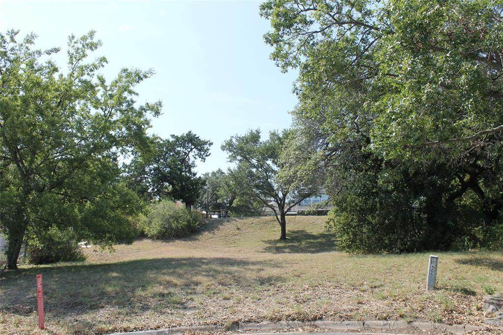 105 Roselawn Drive - Photo 1