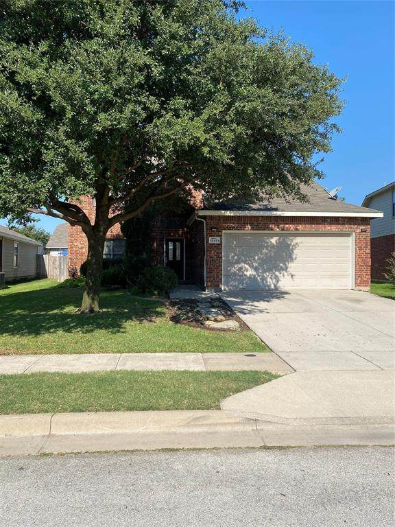 10481 Evening View Drive, Fort Worth, TX 76131 (MLS #14419494) :: The Mitchell Group