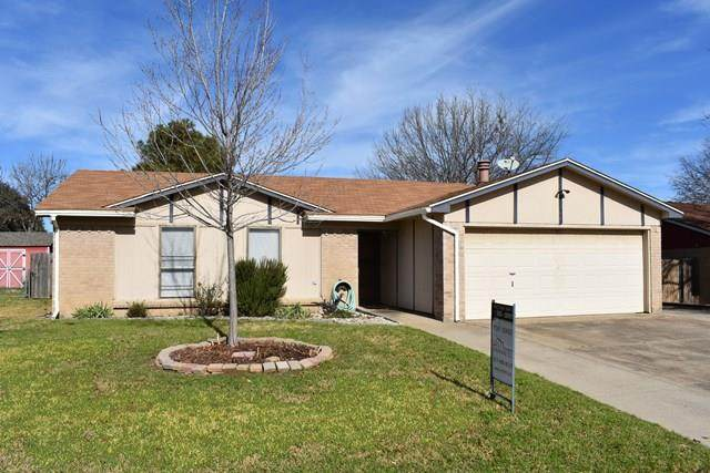 444 Park Center Boulevard, Saginaw, TX 76179 (MLS #14424155) :: Frankie Arthur Real Estate