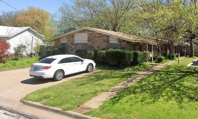 703 Oak Street - Photo 1