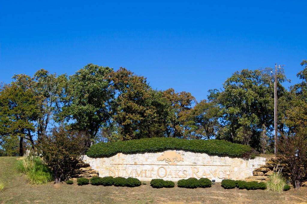 6 Summit Oaks Circle - Photo 1