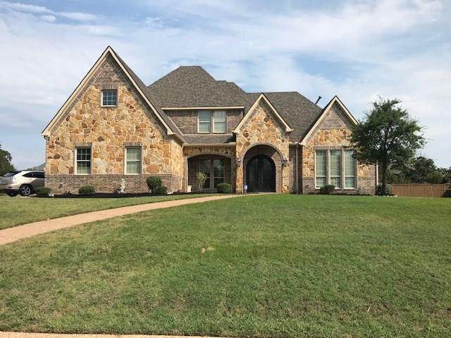 1209 Falcon Ridge Drive, Kennedale, TX 76060 (MLS #14435805) :: NewHomePrograms.com LLC