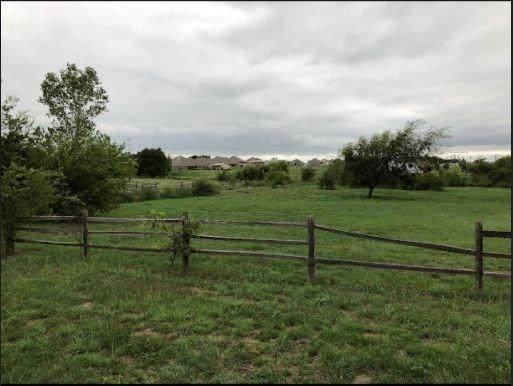 8117 County Road 1005 - Photo 1