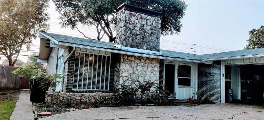 2317 Scotswood Drive - Photo 1