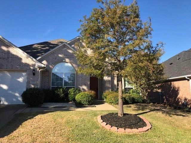 2317 Bear Run Road, Arlington, TX 76001 (MLS #14438177) :: North Texas Team | RE/MAX Lifestyle Property