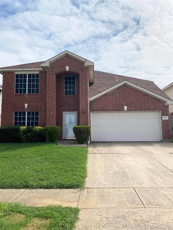 920 Cattail Drive, Arlington, TX 76001 (MLS #14438750) :: North Texas Team | RE/MAX Lifestyle Property