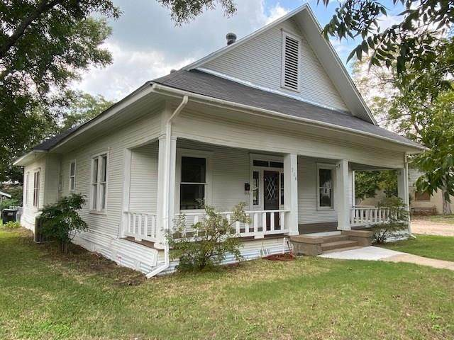 516 Cedar Street, Teague, TX 75860 (MLS #14439484) :: The Kimberly Davis Group