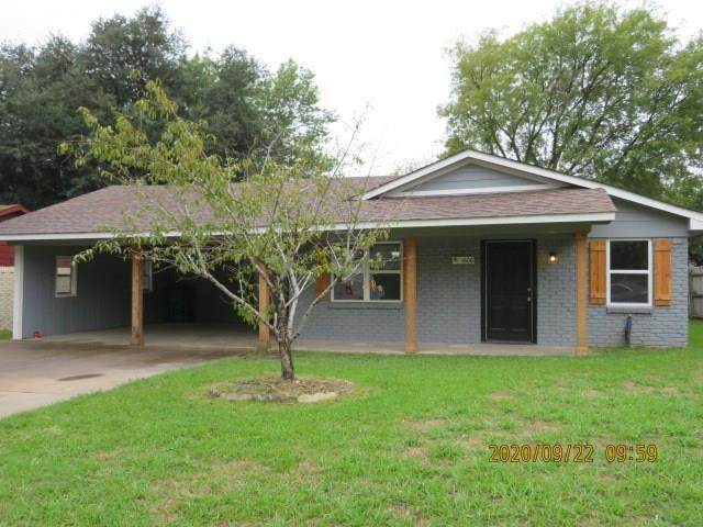 1606 Leon Street, Kaufman, TX 75142 (MLS #14440168) :: The Kimberly Davis Group
