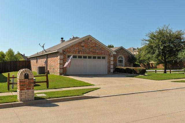 2200 Halladay Trail, Fort Worth, TX 76108 (MLS #14441060) :: Frankie Arthur Real Estate