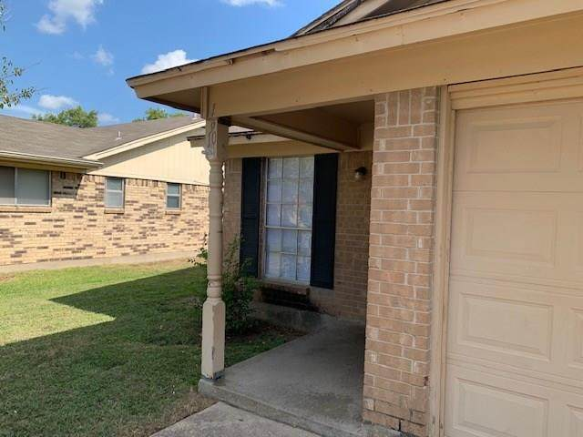 1908-10 Starling Court, Cleburne, TX 76033 (MLS #14442493) :: The Daniel Team
